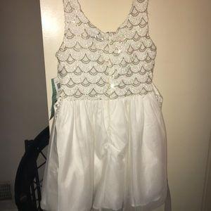 Dresses & Skirts - BEAUTIFUL!! White short dress. NEVER WORN!